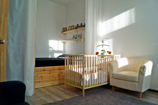 комната с манежем