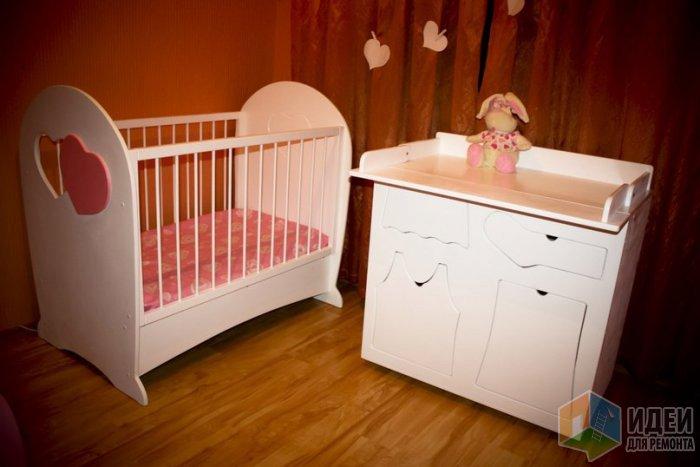 розовая кроватка