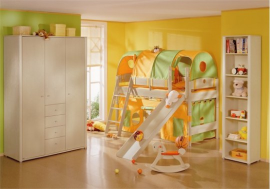 совмещение игровой зоны и кровати в детской