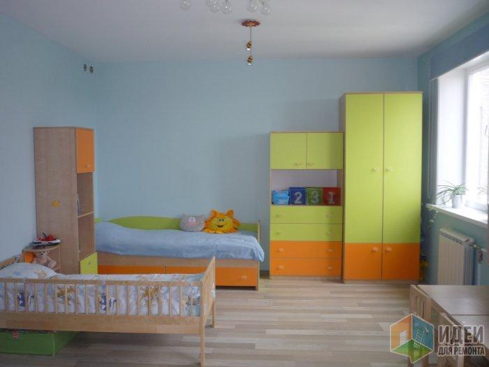 спальное место в комнате ребенка