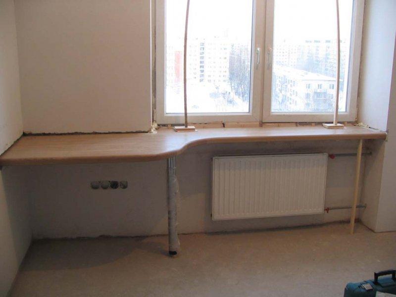 стол с железными ножками
