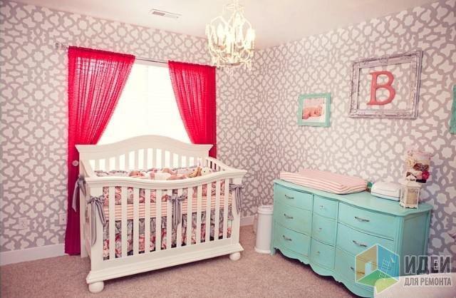 оформление детской комнабы в розовых тонах