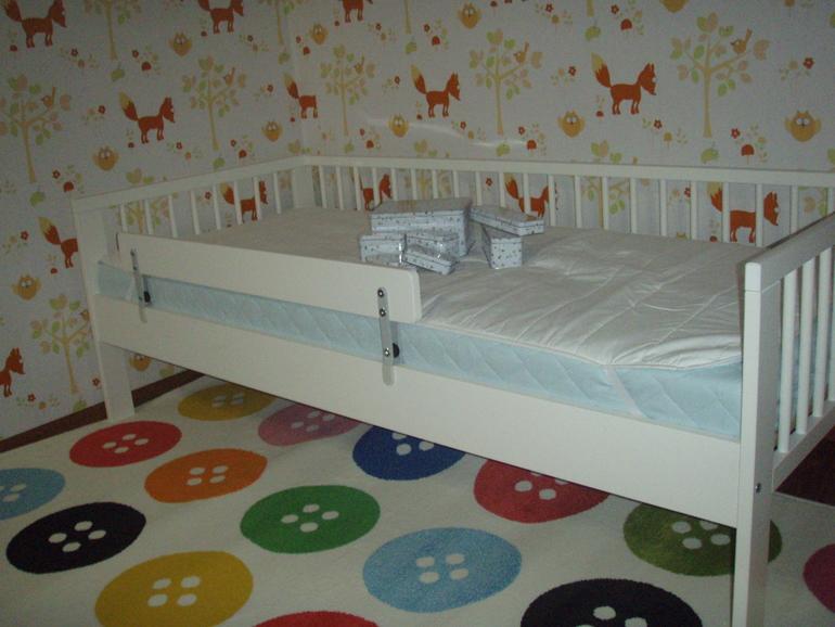 Деревянная защита для кроватки