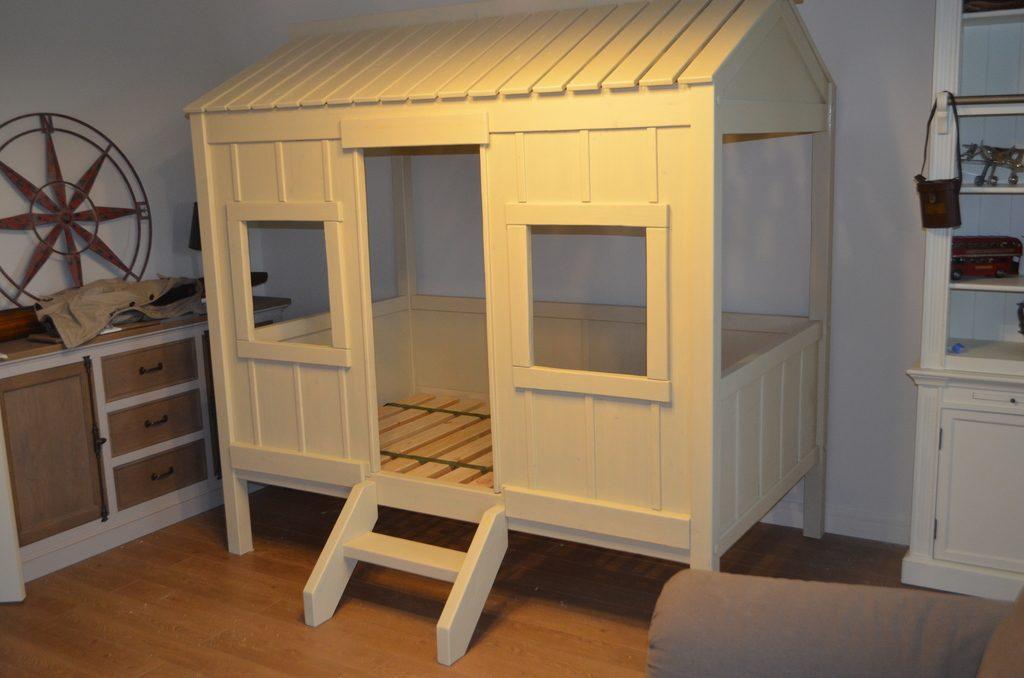 домик-кровать детская