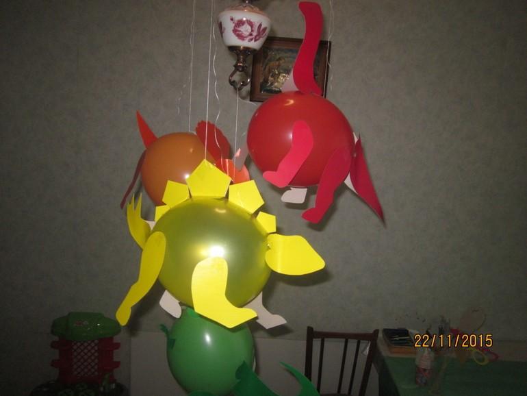 динозавры из шариков