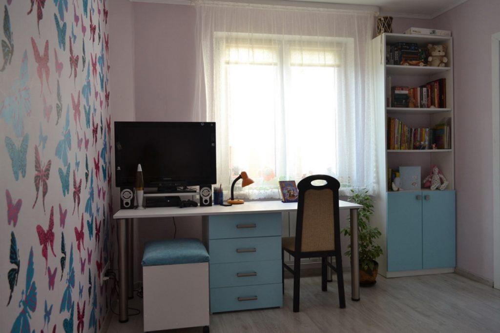 комната голубой с бежевым для девочки