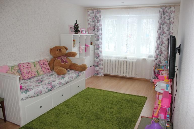 игрушки в комнате