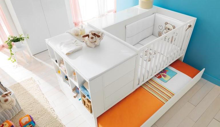 кроватка с пелинальным столиком