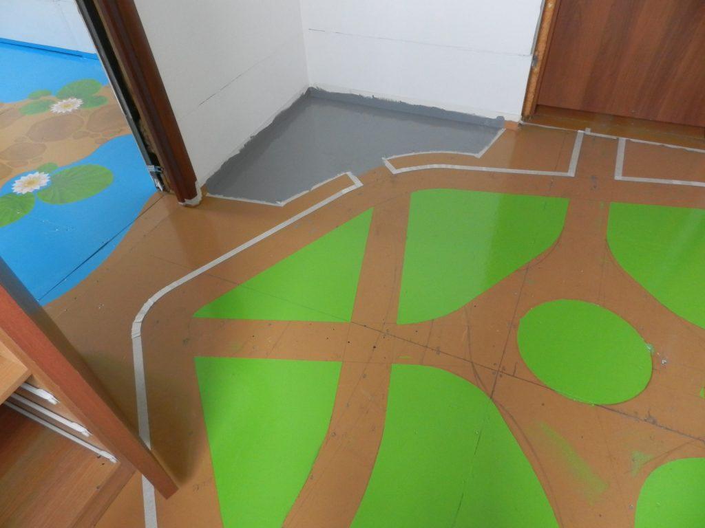 Крашеный пол в детской комнате