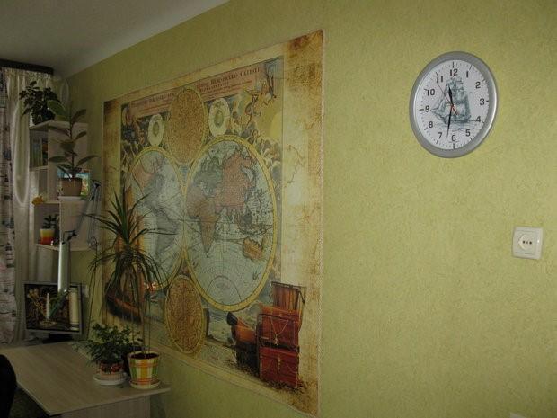 декор комнаты с картой мира